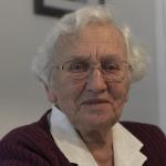 Freundliche Seniorin